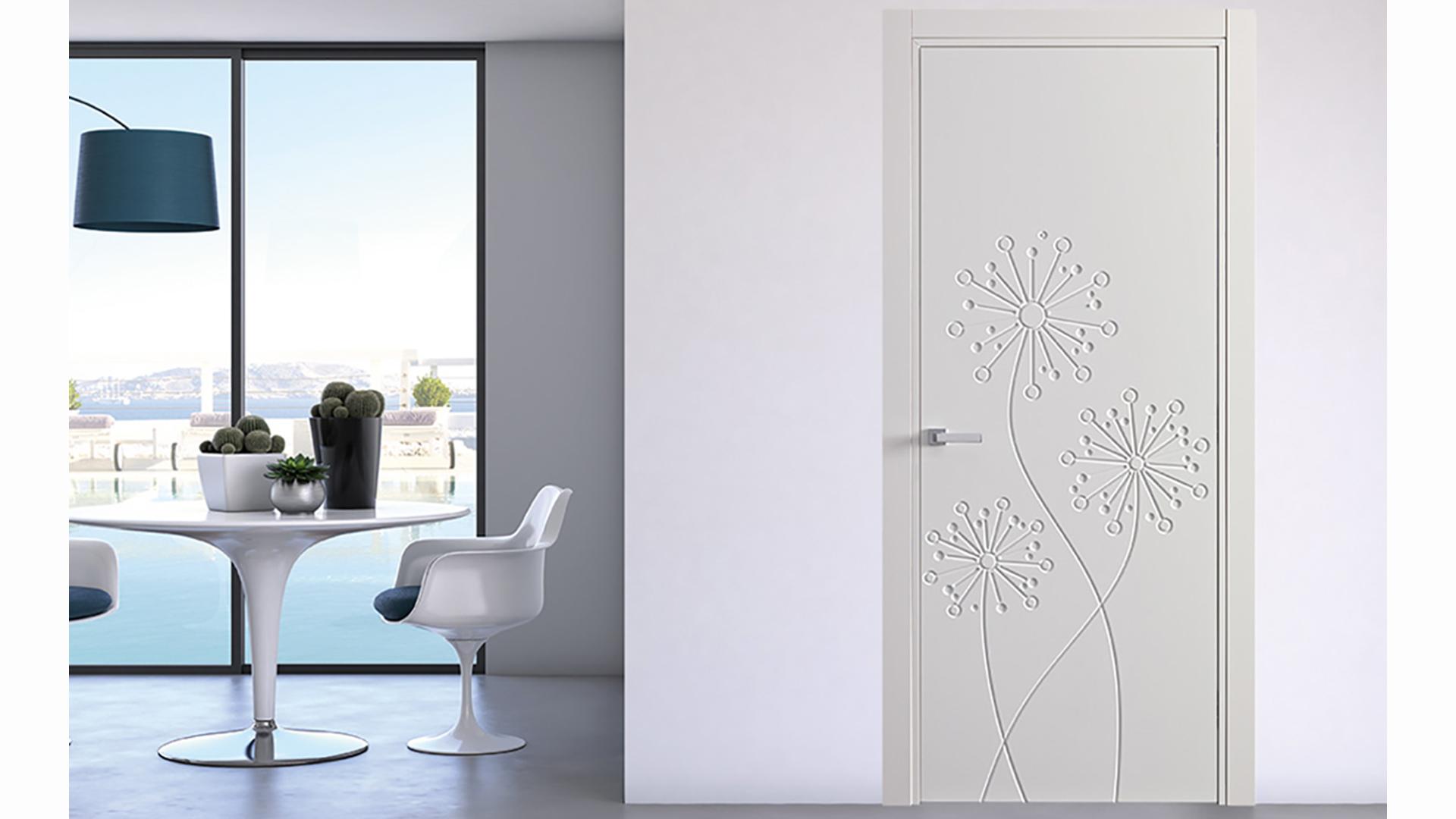 Porte bianche con decoro